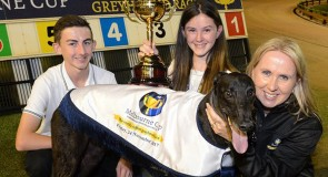 Aston Dee Bee dazzles in TAB Melbourne Cup